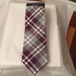 BNWT Tommy Hilfiger Men's X-LONG Tie